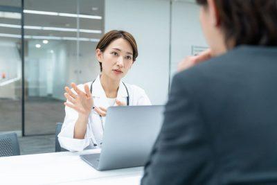 産業医の仕事や役割とは?働き方改革で企業が取り組むべきこと