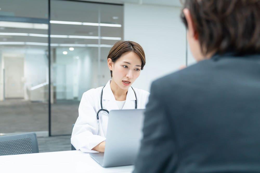 面談中の産業医